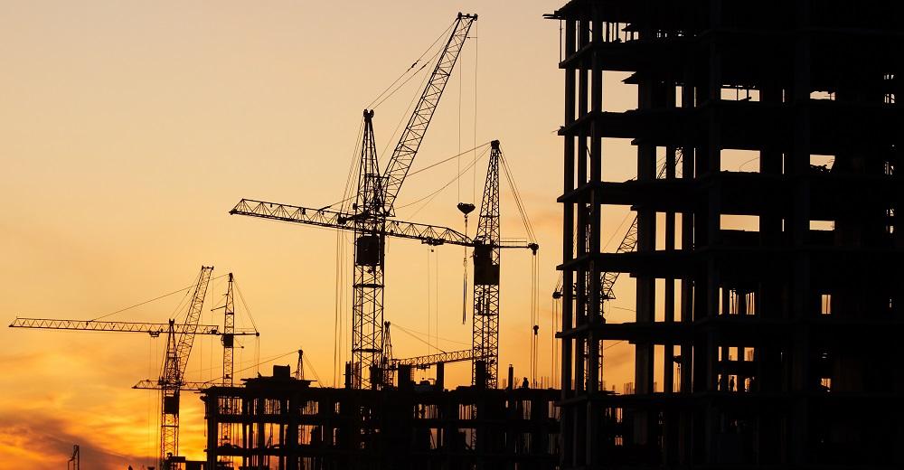 Gefahren auf der Baustelle: Kranarbeiten